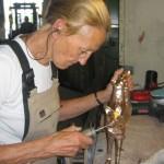 Tineke Thielemans aan het werk